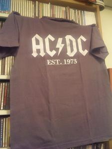AC/DC Tシャツ