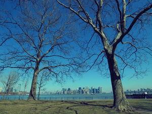 リバティ島から見たマンハッタン