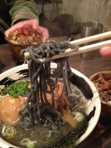 日吉 ハマトラ 黒い麺
