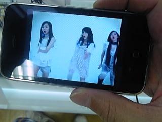 iPhoneにてPerfume